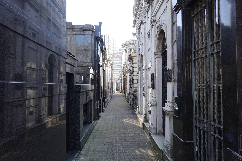 Internal street of the cemetery (Cementerio de la Recoleta).
