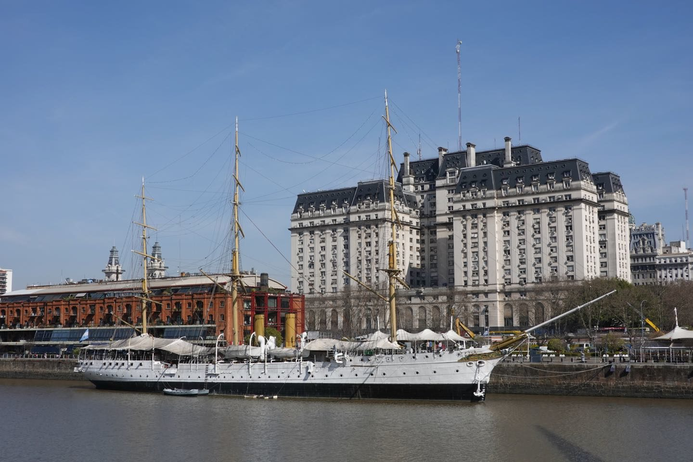 Fragata Sarmiento and Edificio Libertador viewed from Puente de la Mujer.
