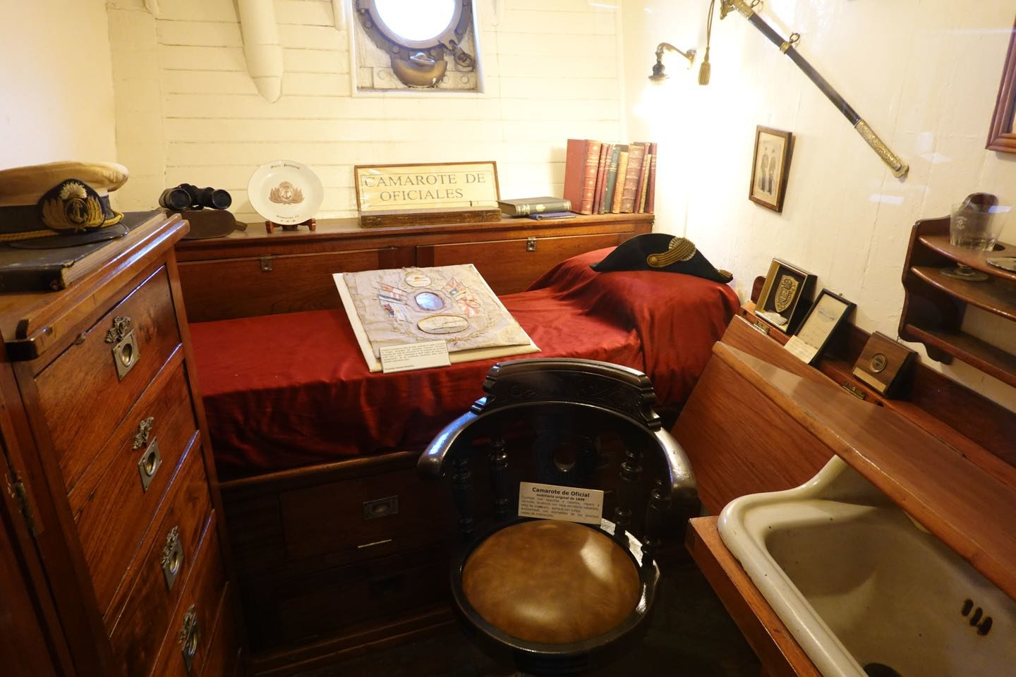 Stateroom of the Fragata Sarmiento ship museum.