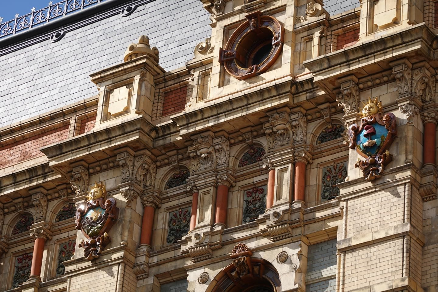 Details on the facade of the Palacio de Aguas Corrientes, 300.000 were used on its construction.