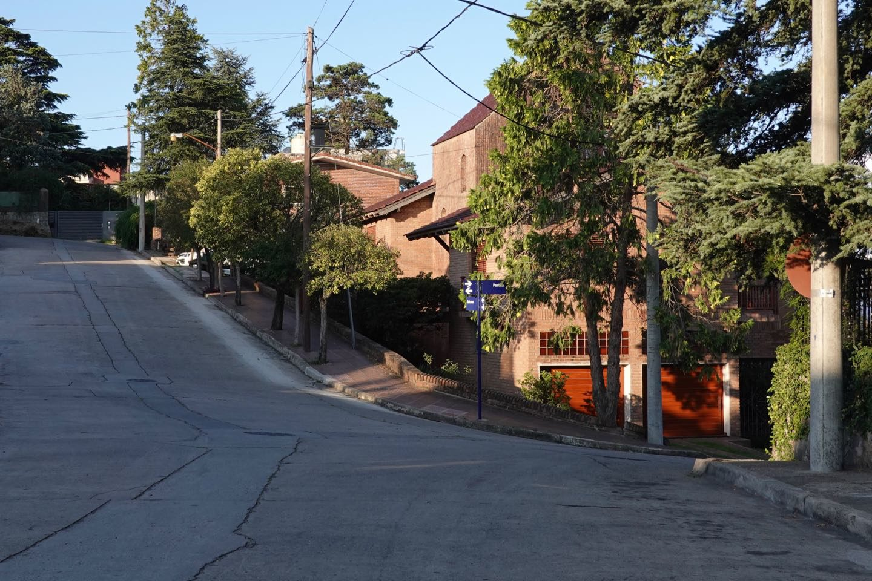 Calles empinadas en Villa Carlos Paz.