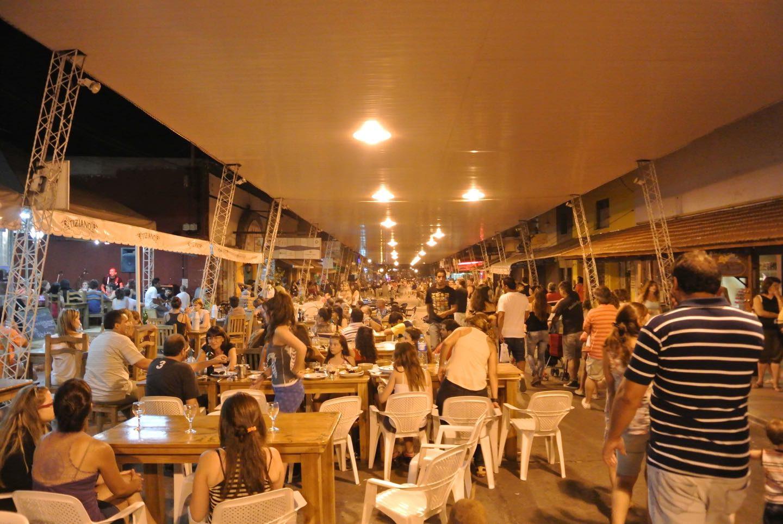 La Techada, la calle más turística de Capilla del Monte.
