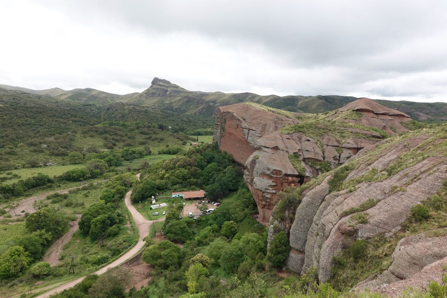 Panoramic view to the service area and parking lot of Grutas de Ongamira.