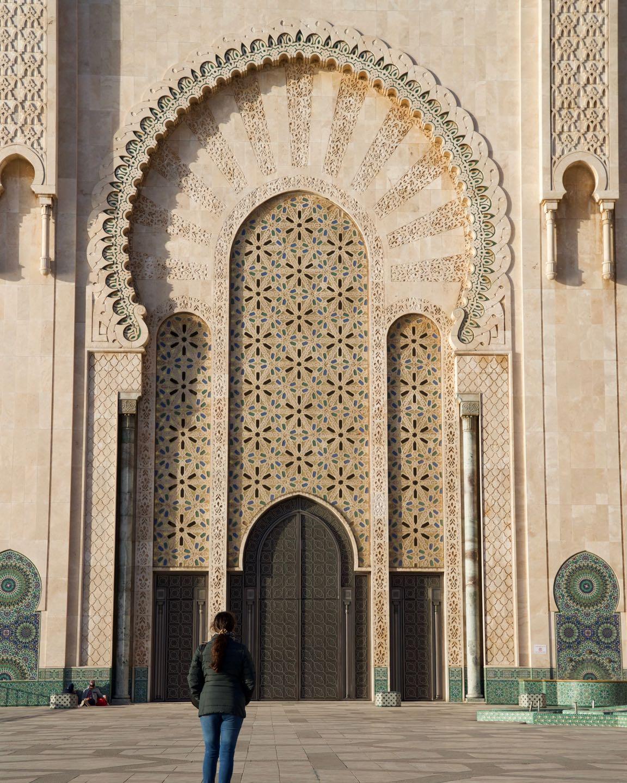 Detalles de una puerta de la Mesquita Hassan II.